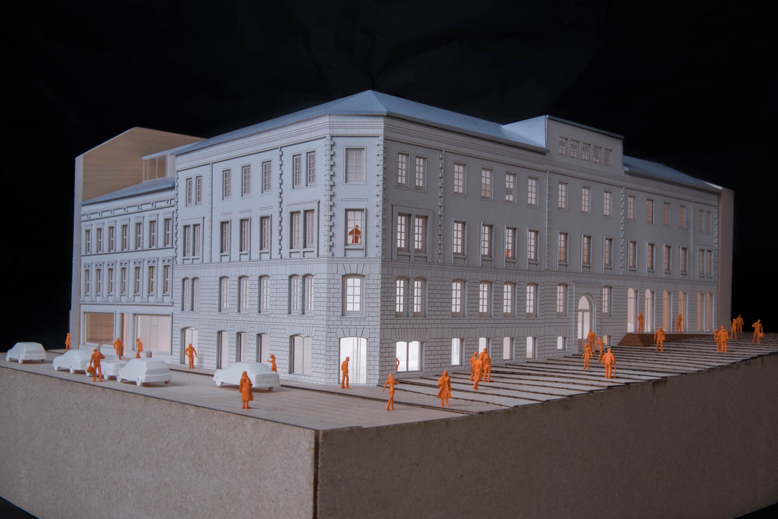 Model picture, general view.