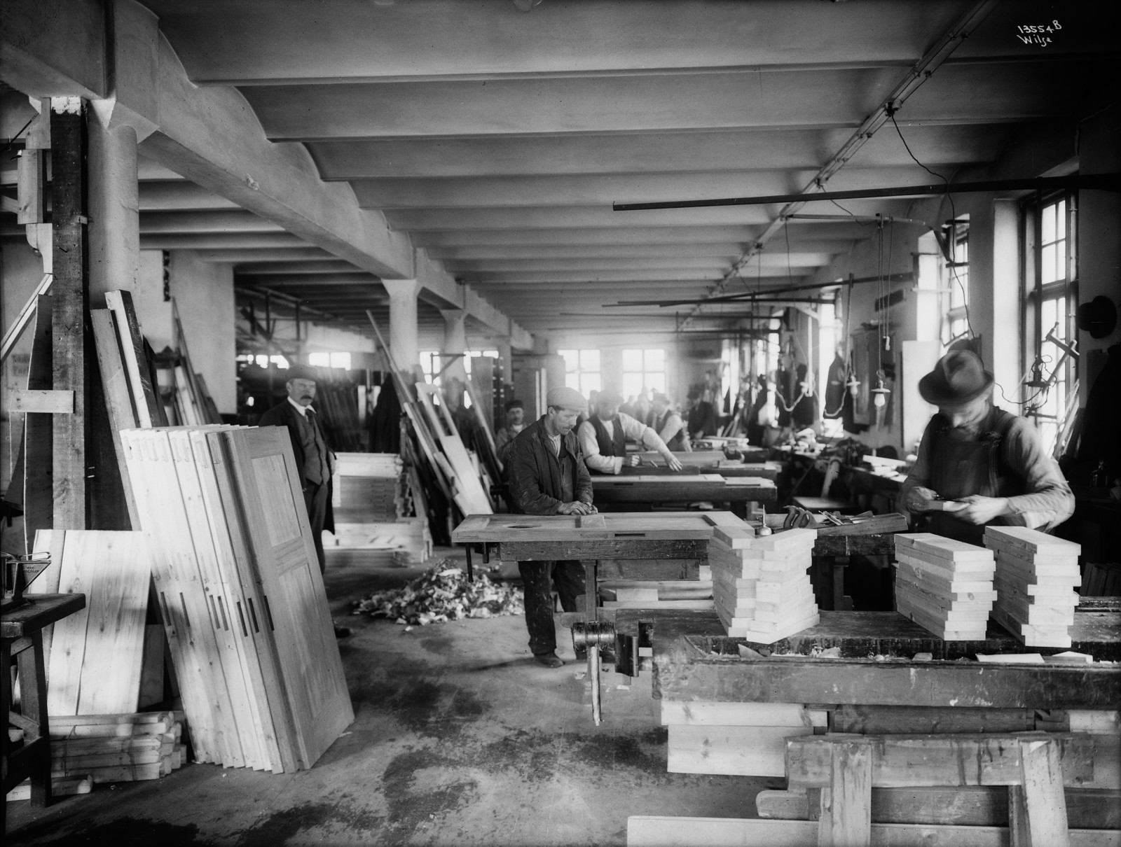 A carpentry workshop was installed in the building in the 1920s. © Anders Beer Wilse, 1920, Oslo Museum.