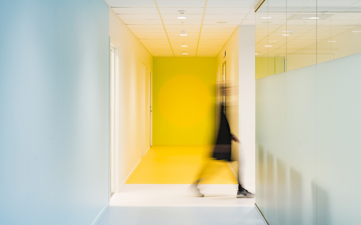 BDS, Brystdiagnostisk senter, OCCI, Oslo, Ullern, University Hospital, Universitetssykehuset, Cancer Cluster Innovation Park, Kreftforsking, Science park, Dark, Arkitekter, Architects, Colourful interior, farger, colours, mammografi